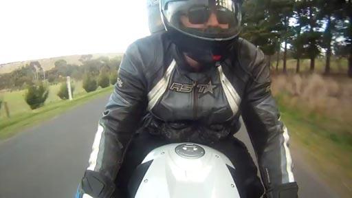 Suertudos en moto
