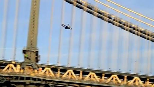 Gente volando en NY