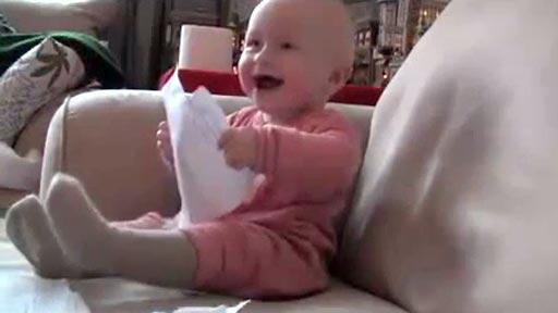 Risa de bebé en pelis