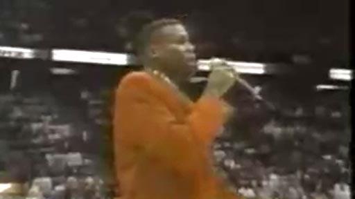 Carl Lewis cantando