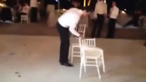 Jugando con sillas