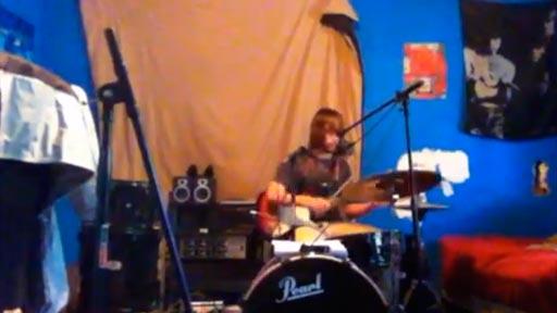 Voz guitarra y batería