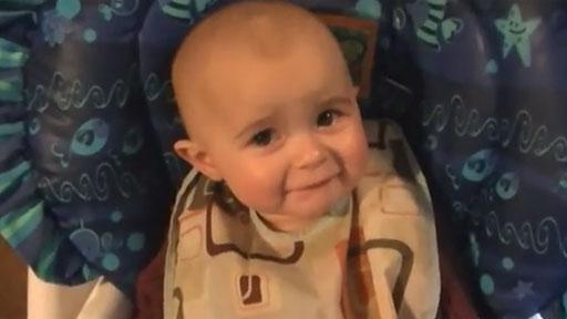 Bebé se emociona