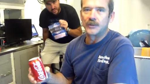 Abriendo una lata