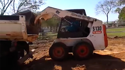 Truco en excavadora