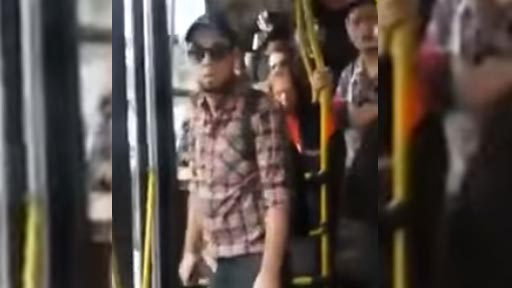 Pervertido en bus