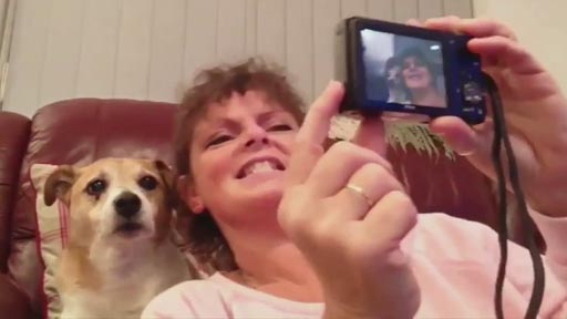 Cuando le pides a tu perro que sonría para un selfie