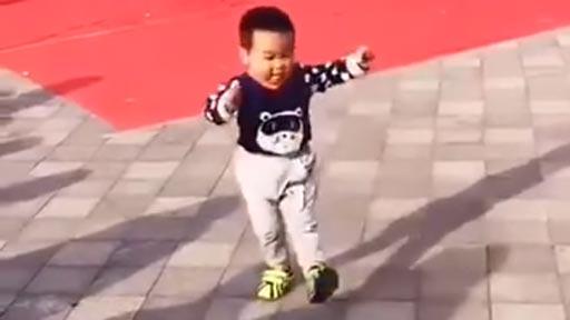 Cuando tu hijo eclipsa a los bailarines