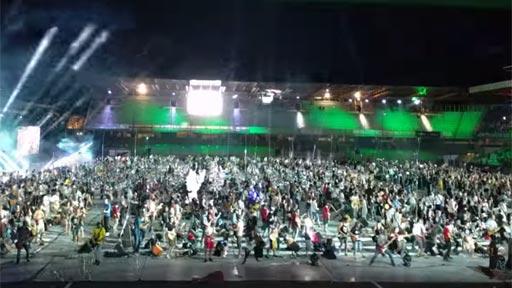 1200 músicos tocando Smells Like Teen Spirit