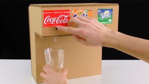 Cómo hacer una máquina dispensadora de refrescos