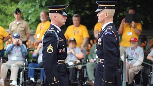Inspección del comandante de la guardia