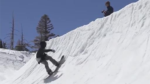 Interesante truco de snowboard